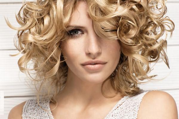 Кудри на средних волосах