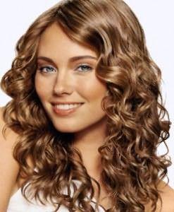 Наибольшие требования к уходу за волосами предъявляются в первые двое суток после завивки