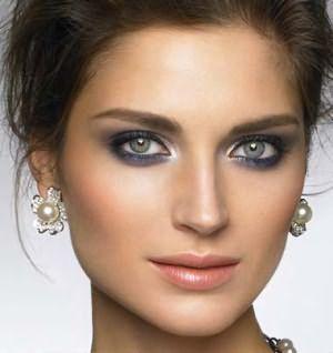 Универсальный макияж для сероглазок