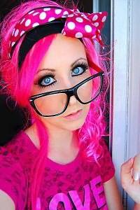 Розовые волосы 3