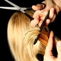 в какое время лучше стричь волосы