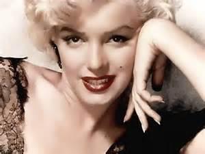 Мэрилин Монро – яркая блондинка и секс-символ прошлого века