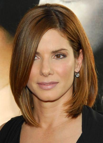 Удлиненные пряди делают черты лица более мягкими и женственными