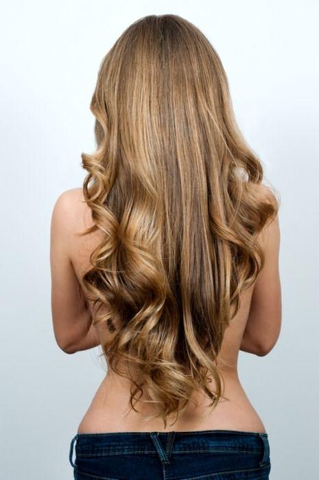 Эффектные локоны на длинных волосах – это кропотливая робота