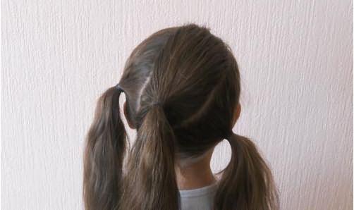 Создание прически из трех кос по диагонали: шаг 2