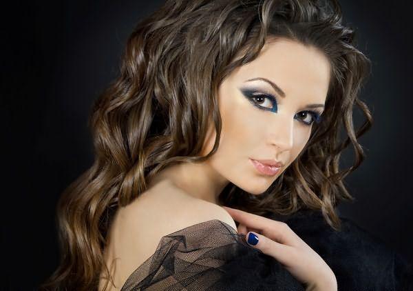 Нежные и милые волны делают женщину невероятно привлекательной
