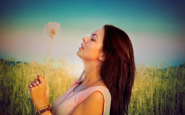 Хотите притянуть в свою жизнь уверенность и легкий авантюризм – окрашивайте волосы в каштановый