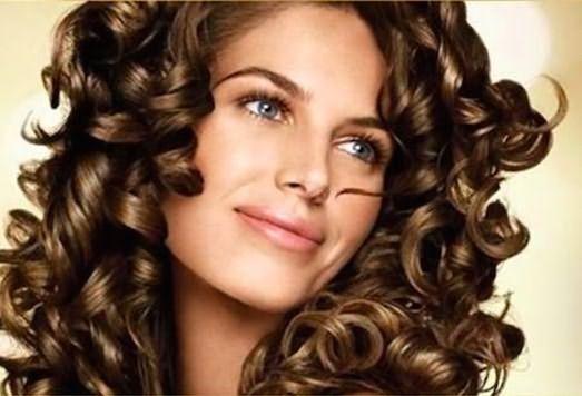 Завитки волос – привлекательный образ!