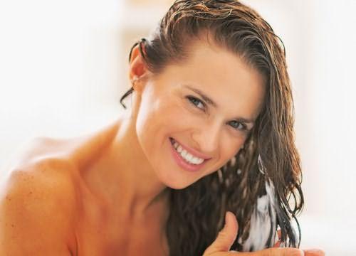 Только верно подобранное средство по уходу за локонами поможет вам сохранять привлекательность долгие годы.