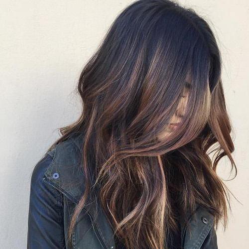 Коричневый цвет волос с мелированием