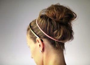 как сделать прическу пучок на средние волосы 5