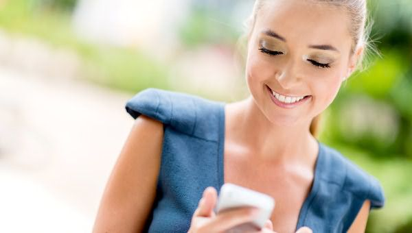 Новая эра информационных гаджетов не минула и beauty сферу, всего в несколько кликов в собственном телефоне можно примерить новый образ и отправиться в салон для его воплощения
