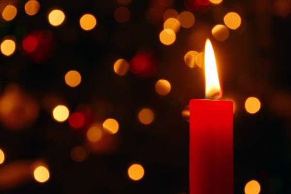 Провести ритуал поможет красная свеча