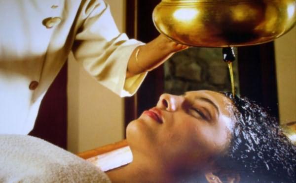 Увлажнение волос репейным маслом