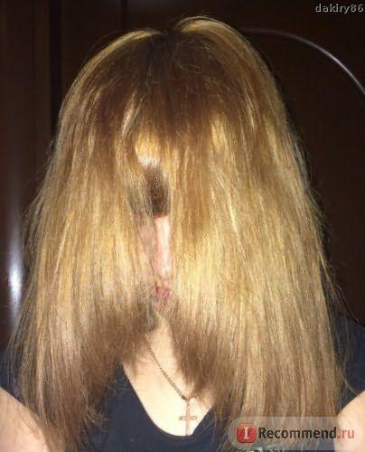 Сухие волосы со вспышкой иск. освещение