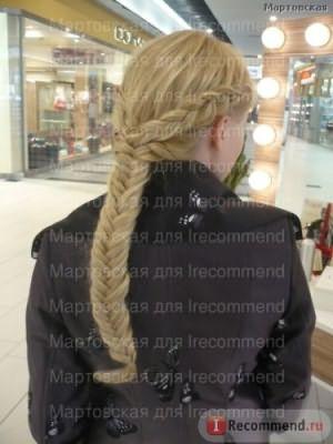 Роскошная коса. По бокам тоже иск. пряди вплетены, потому косички толстые и нет перехода