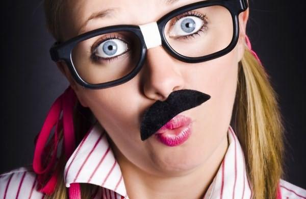 Волосатость у мужчин или отсутствие таковой так же, как и у женщины, регулируется уровнем гормонов и наследственностью