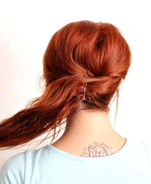 Как сделать небрежную ракушку на длинные волосы: шаг 2