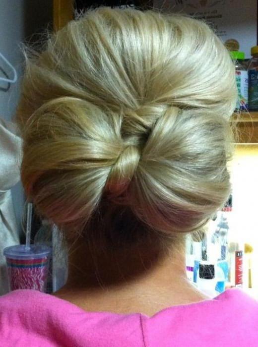 прическа бантик из волос фото