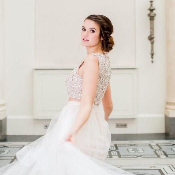sadebnie_pricheski_na_srednie_volosi_ (21)