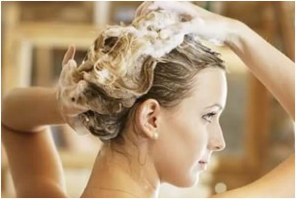 Средство для мытья посуды поможет смыть масло с волос