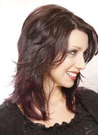 женская стрижка лесенка на средние волосы 8