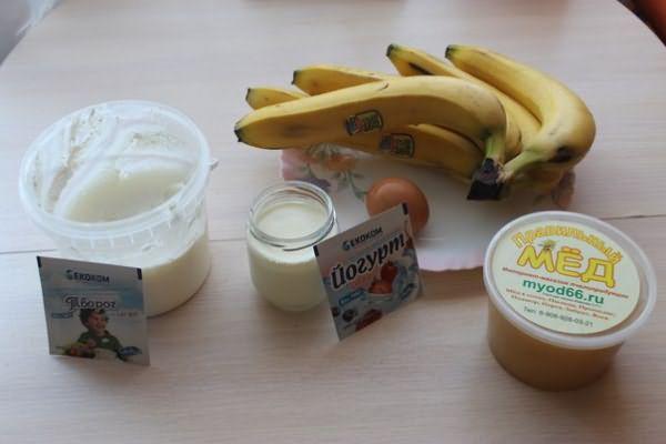 Банан, мед, йогурт для маски