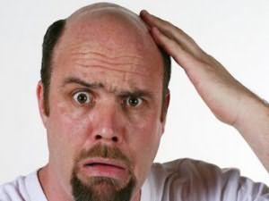 А сколько волосинок вы находите утром на подушке?