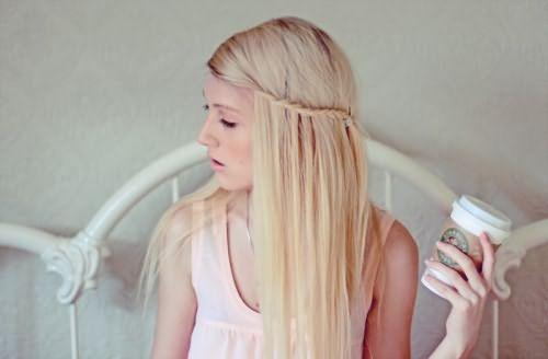 Через сколько можно красить волосы послеосветления – вопрос, который не имеет однозначного ответа и определяется состоянием ваших локонов