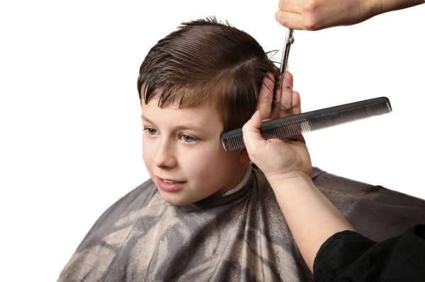 Подстригание ребенка