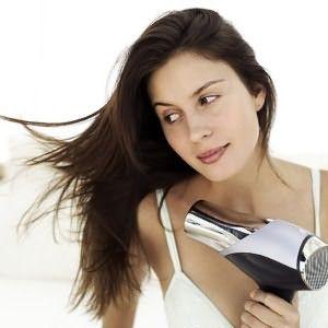 Перед укладкой тщательно вымойте и высушите волосы