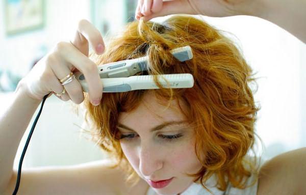 Завивка утюжком на коротких волосах