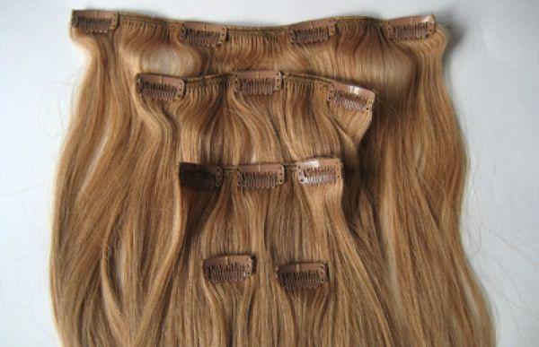 Накладные пряди волос на заколках – это прекрасное решение для быстрого создания эффектной прически на любое торжественное мероприятие.