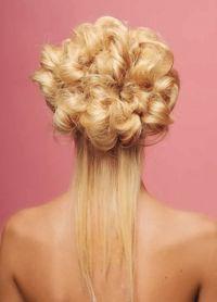 Оригинальные прически на средние волосы21