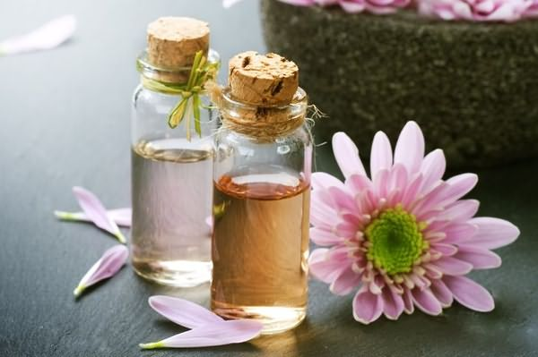 Эфирные масла для питания волос