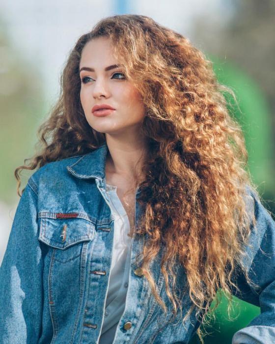 стрижки длинных кудрявых волос женские фото