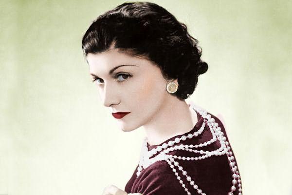 Легендарная Коко Шанель и ее стрижка боб без челки