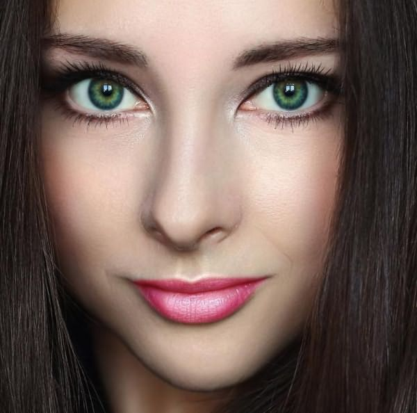 А вы знаете, какой цвет локонов подходит к зеленым глазам?