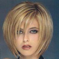 прическа каскад на короткие волосы с челкой 4