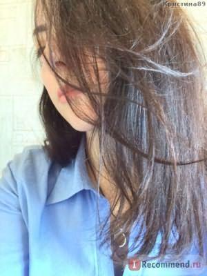 Волосы днем в комнате без освещения (возле окна)