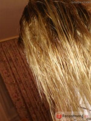 Вымытые, влажные волосы.
