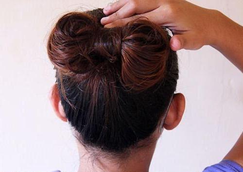 прически на средние волосы бантик