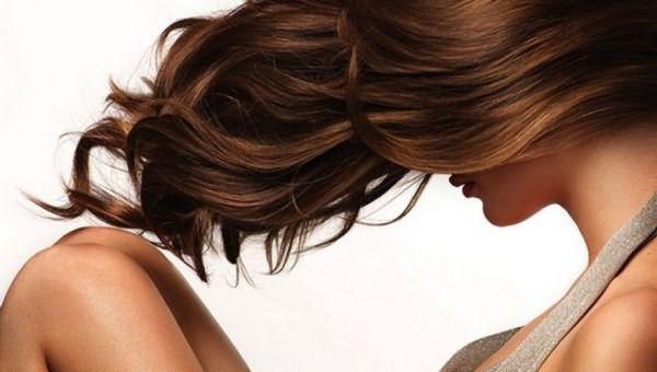Длинные здоровые волосы всегда были наилучшим природным украшением девушек