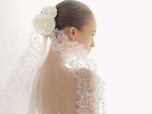Фата – неотъемлемый атрибут невесты!