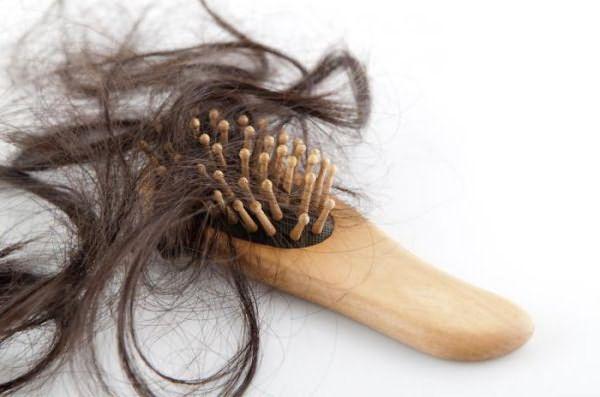почему выпадают волосы причина