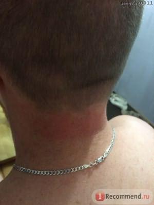 Машинкой побрила шею