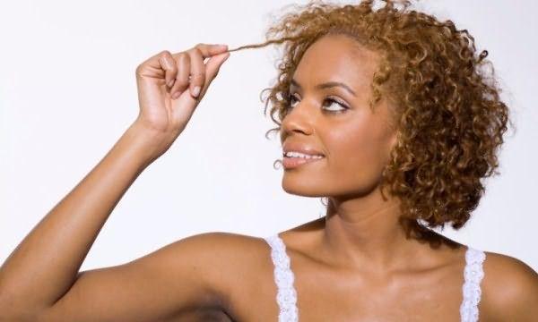 Кудрявые волосы – нередко являются предметом зависти, но только их обладательницы знают, сколько сил и усердия требует их ежедневная укладка и уход