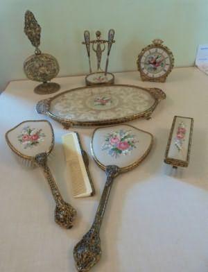 Викторианской гладью Тщеславие Комплект включает часы флакон духов 11 шт