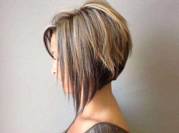 Каре с филированными короткими прядями способно сделать даже и самых тонких и неприметных волос густую и красивую шевелюру