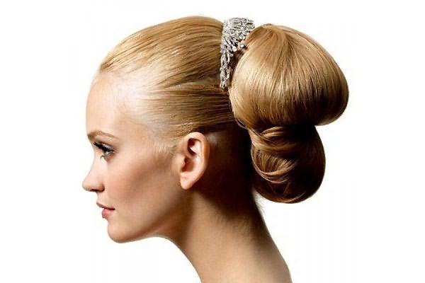 Укладка с собранными волосами